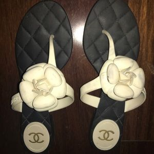 Chanel sandals size 41